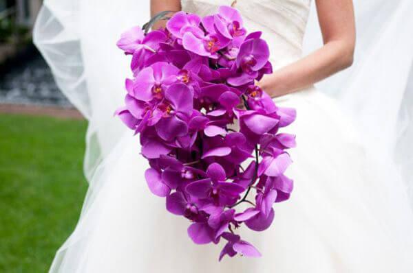 hoa cầm tay cho cô dâu