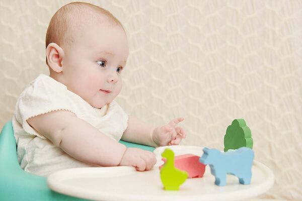 Tiêu chuẩn phát triển thường nhật của trẻ 1 tuổi