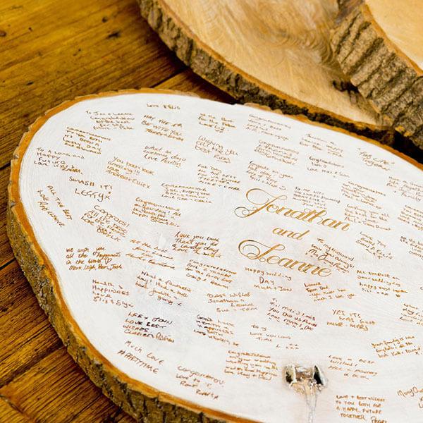 Bật mí cùng bạn những ý tưởng về sổ lưu bút ngày cưới