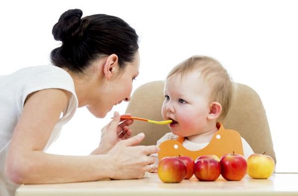Mách mẹ một số cách giúp bé tăng cân nhanh chóng