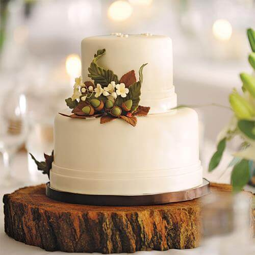 Một số mẫu bánh cưới phù hợp với khung cảnh hôn lễ theo phong cách thô mộc