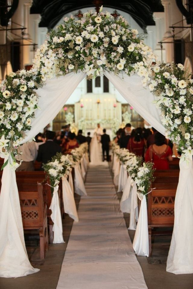 Tổ chức hôn lễ trong nhà thờ cần những gì?