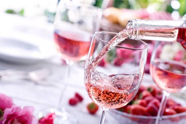 Những loại Rosé dùng cho tiệc cưới ngày hè