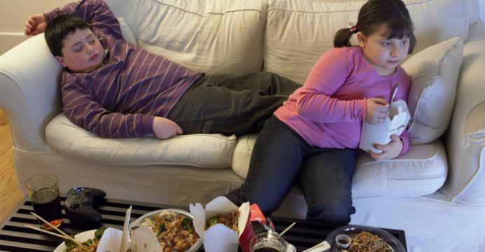 Cân bằng dinh dưỡng trong bữa ăn dặm để trẻ không béo phì