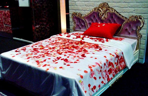 Cách bài trí tân phòng đẹp mắt với phong cách Hoa tộc
