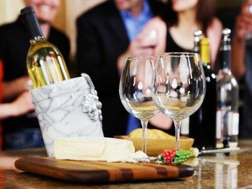 rượu vang trong menu tiệc cưới