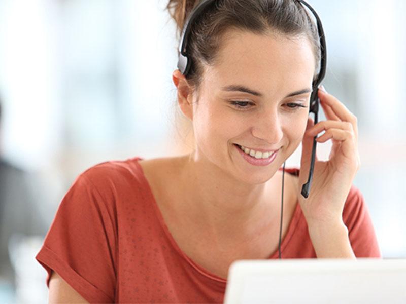 Dạy trực tuyến là một phương pháp dạy tiếng Anh cho người đi làm phổ biến
