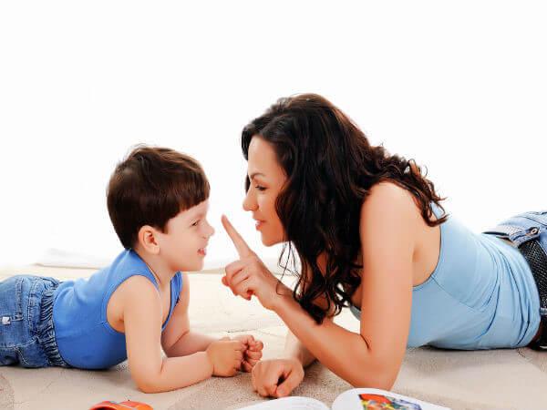 Làm gương là phương pháp thực tiễn trong giáo dục con trẻ