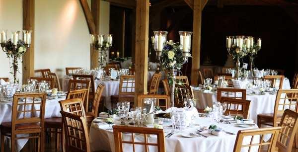 Cần chú ý gì khi đặt tiệc cưới tại nhà hàng