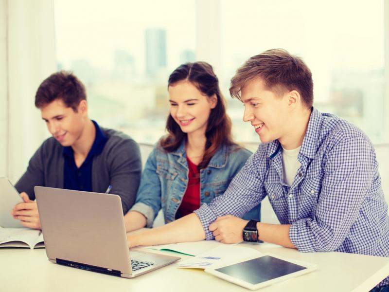 Top 10 lý do phụ huynh nên khuyên con tuyển sinh vào đại học quốc tế