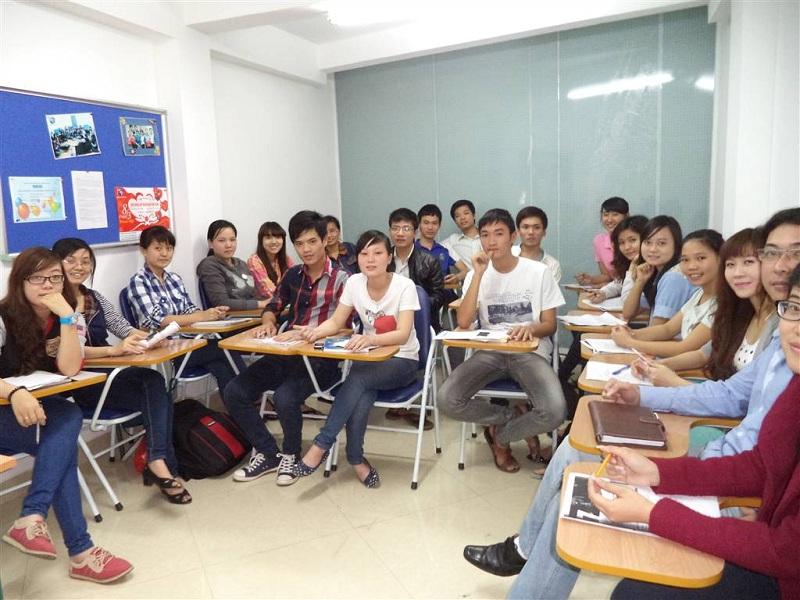 Đến trung tâm uy tín để học tiếng Anh cấp tốc